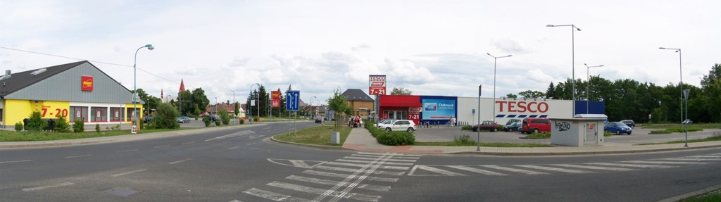 Tesco a Pennny Milovice